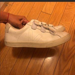 Veja lock shoes